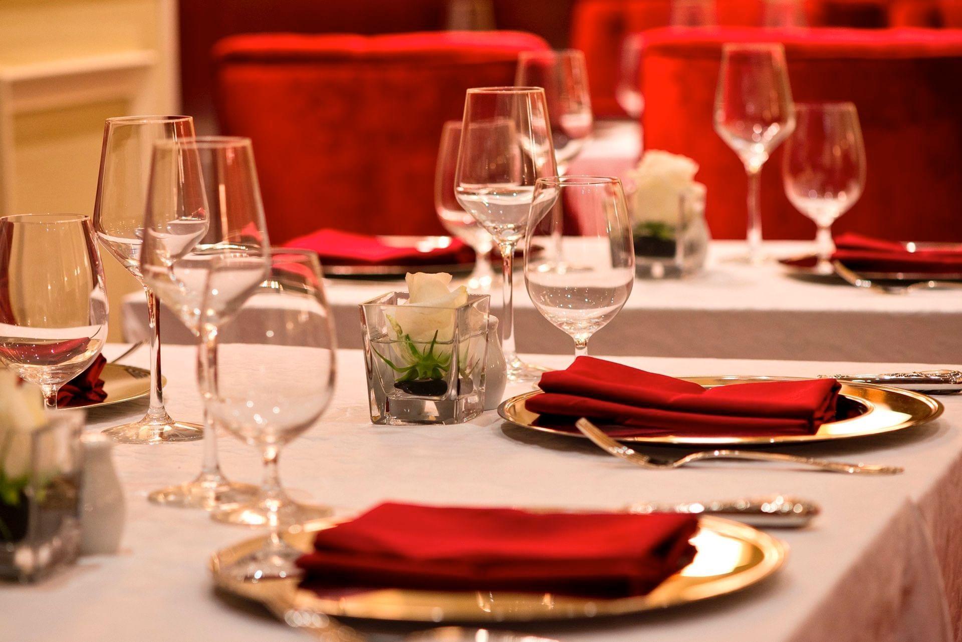 Carisma Restaurant Close-up Table Set-Up