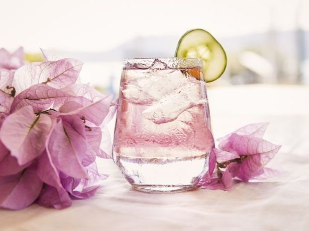 Drink and bougainvillea flowers at Daydream Island Resort