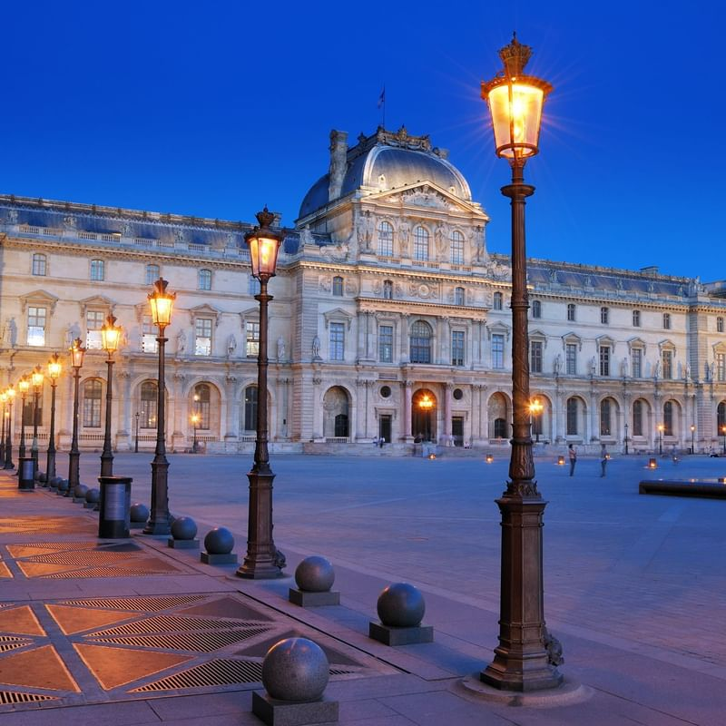 The Louvre - WARWICK CORPORATE