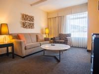 Coast-Kamloops-Premium-Suite-1-King 1