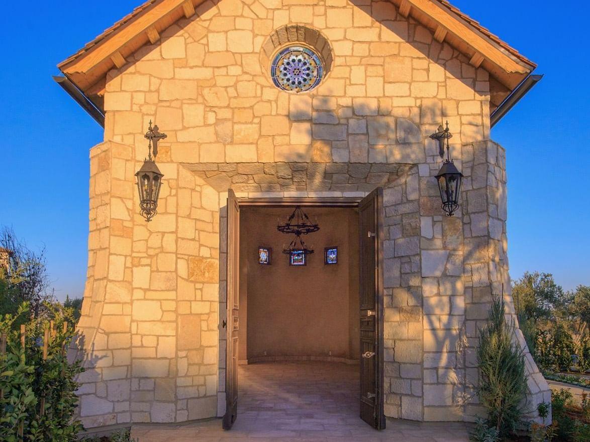 Allegretto Abbey entrance