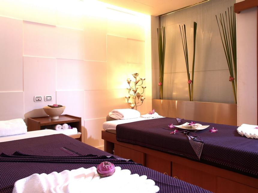 Beautiful spa beds are kept neat in Dream Thailand Bangkok.