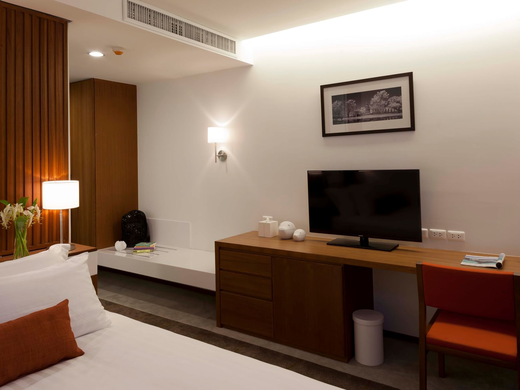 Superior Room - Eastin Hotel