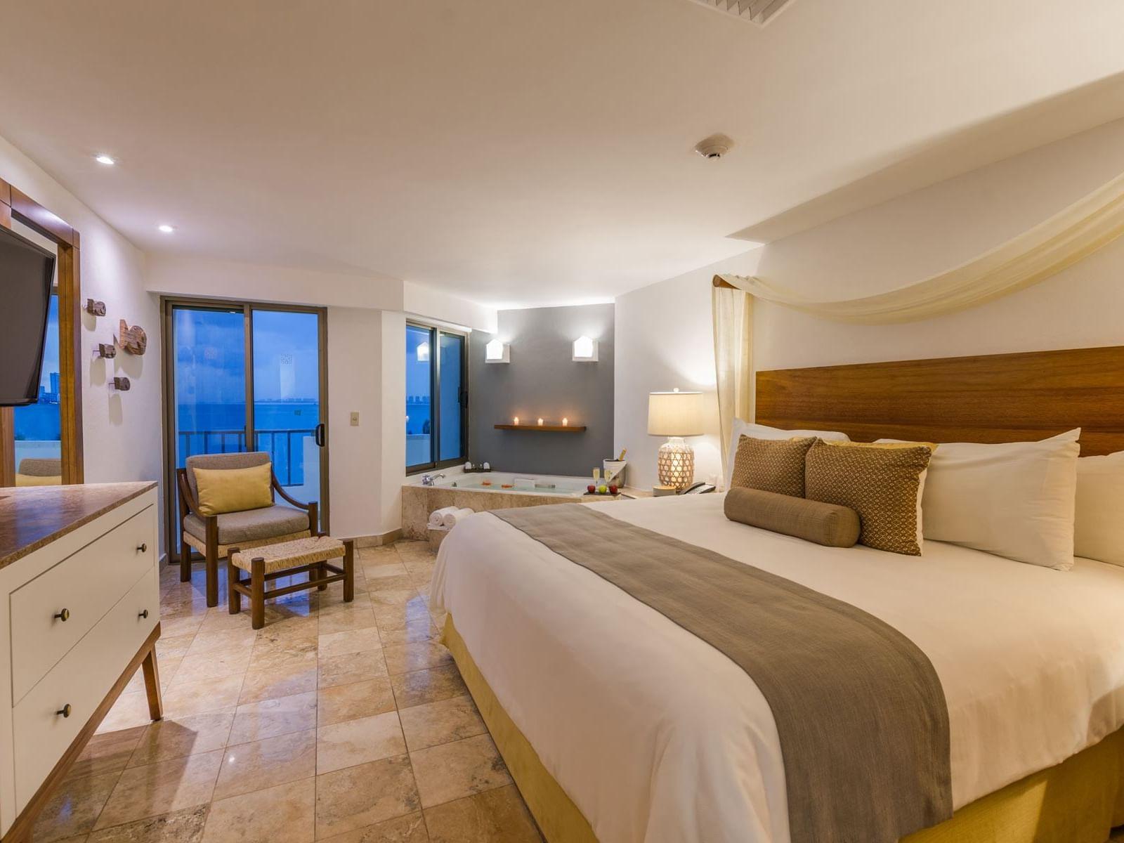 Habitación con cama extragrande y spa interior