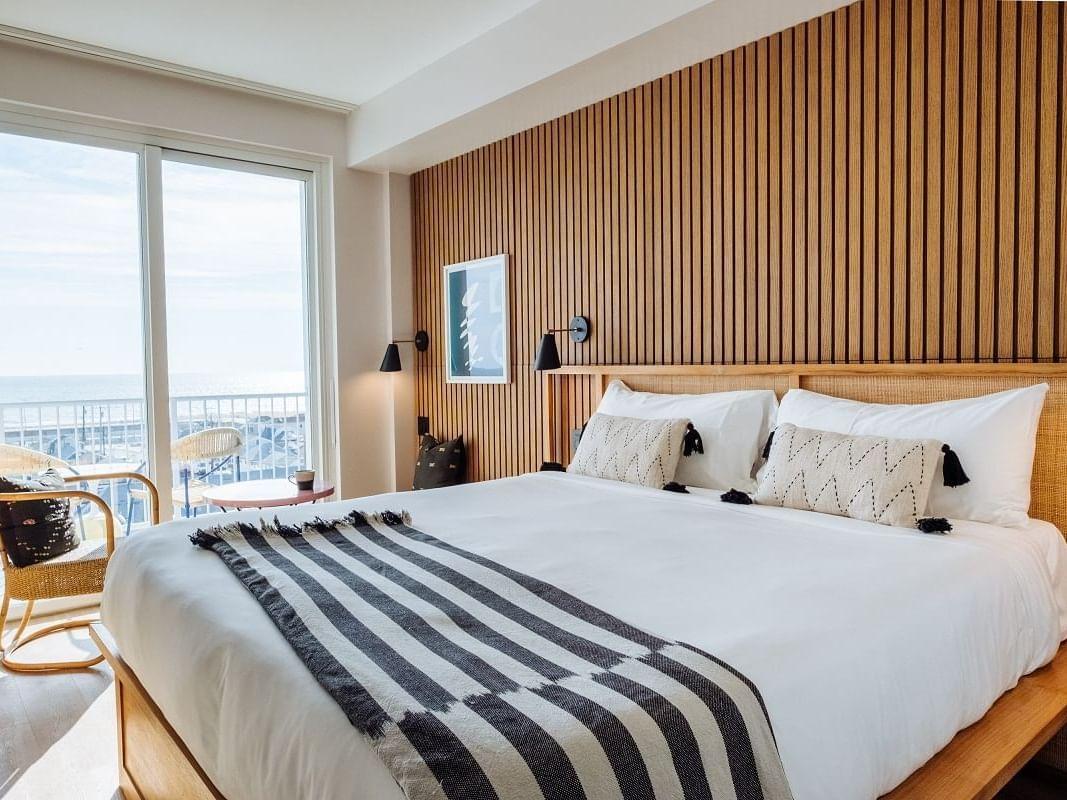 Deluxe King Ocean View room at The Rockaway Hotel