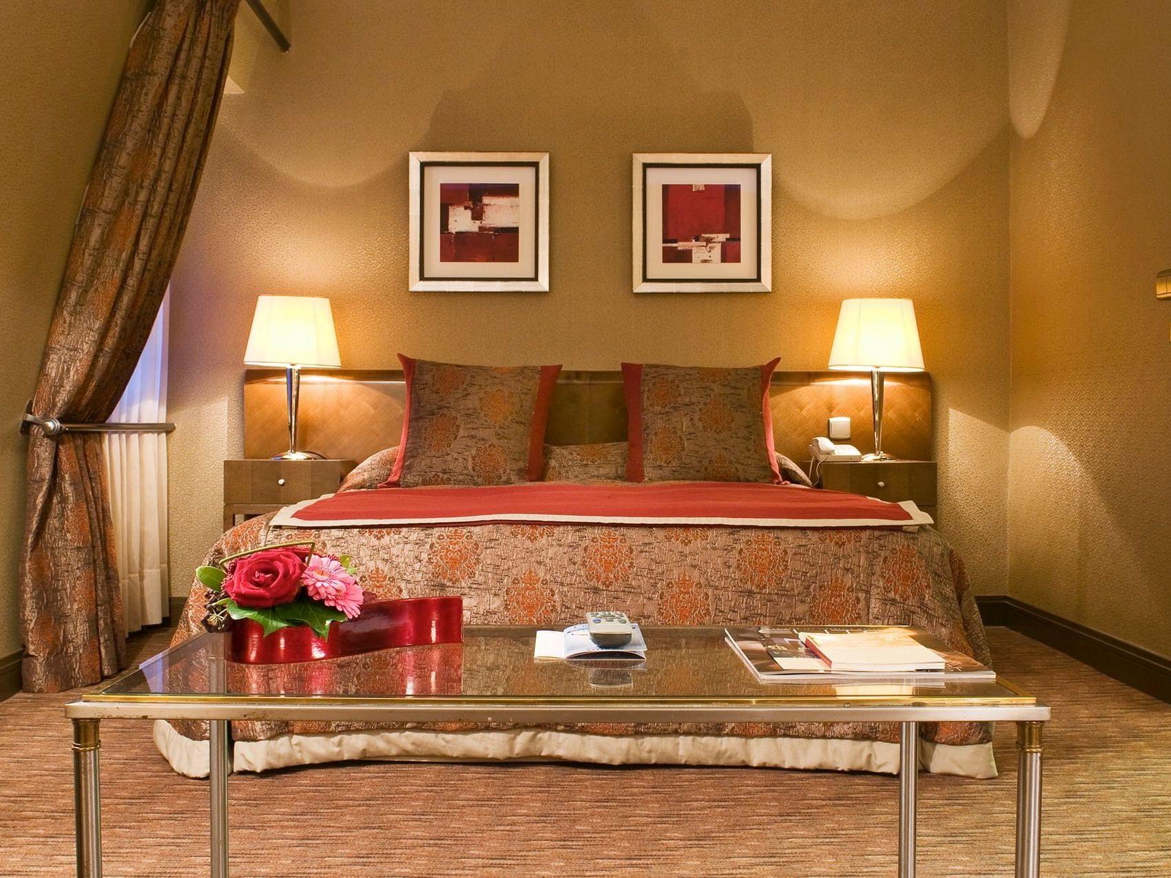 Premium Deluxe Bedroom at Brussels Warwick Hotels