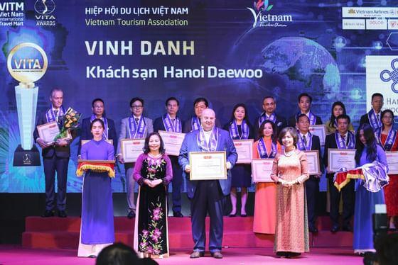 Award ceremony at Hanoi Daewoo Hotel