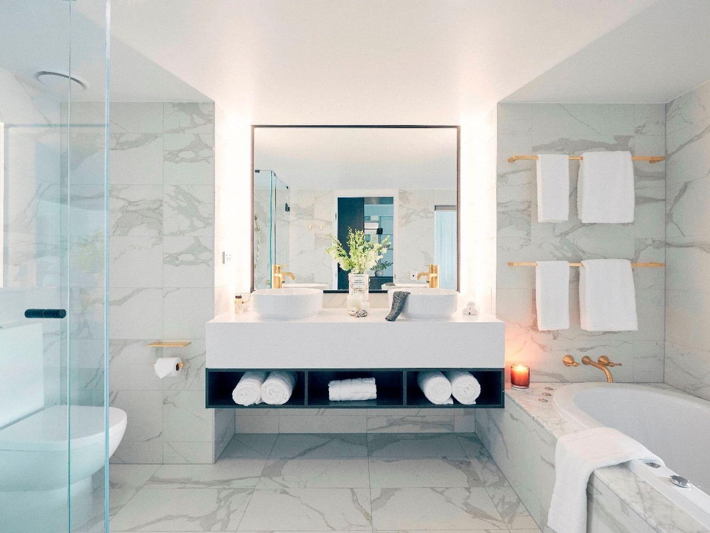 Bathroom in Deluxe Serenity Twin room at Daydream Island Resort