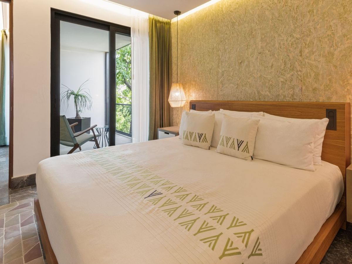 Master Premium Room with one bed at Wayam Mundo Imperial