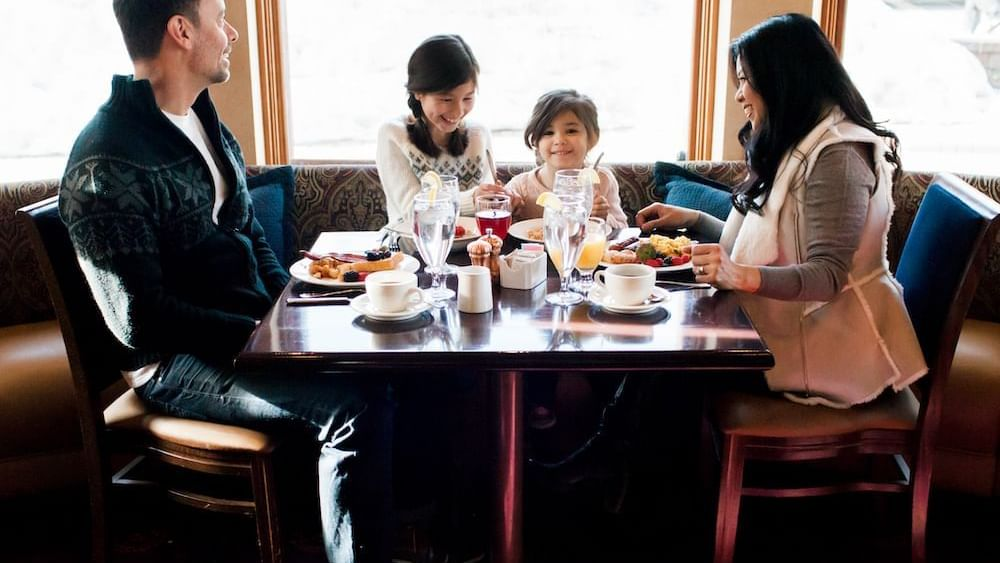 Family dining at Cena Ristorante