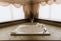 Coast Premium King Suite with Jetted Tub 05