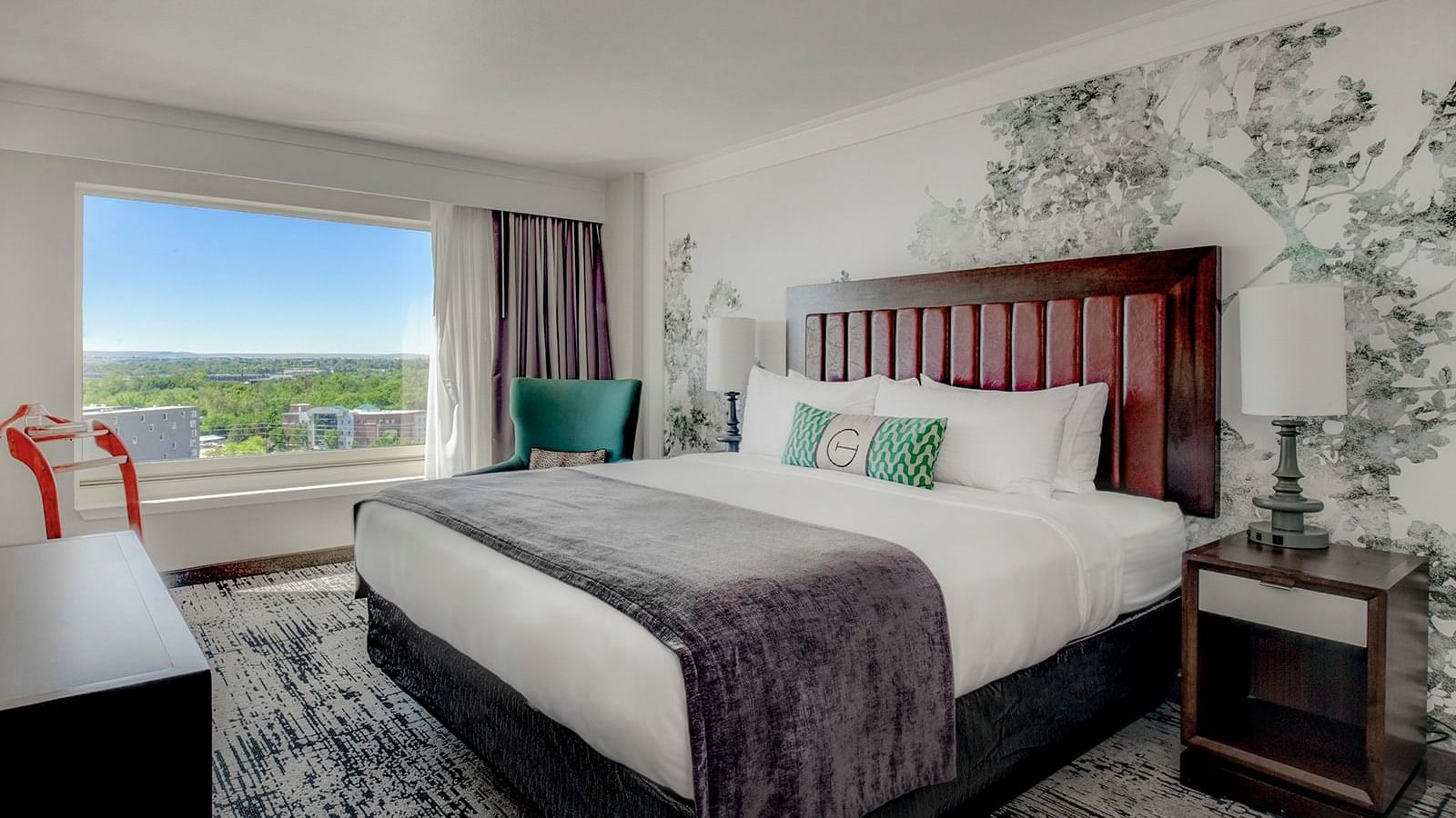 executive suite at grove hotel