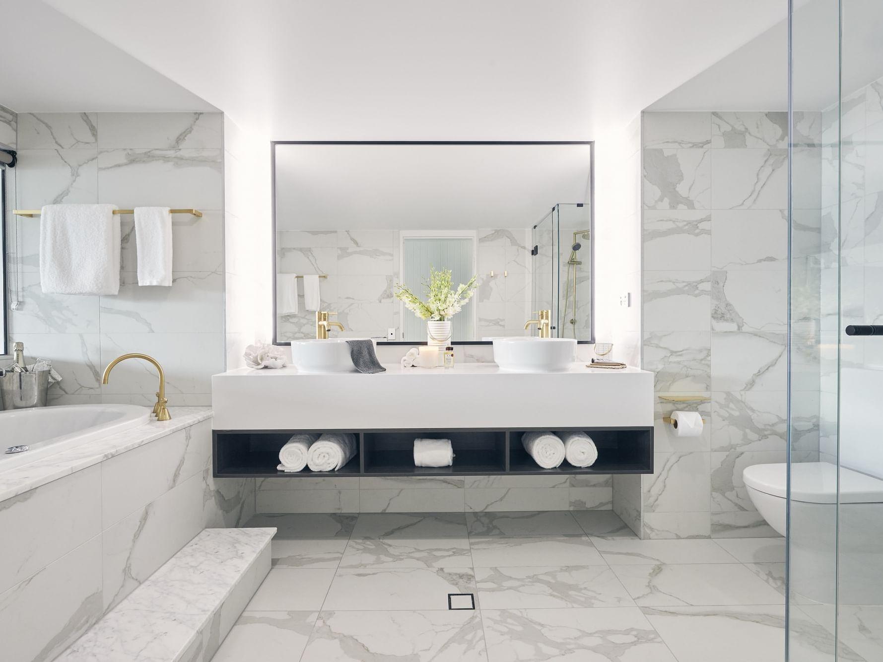 Bathroom in Serenity room at Daydream Island Resort