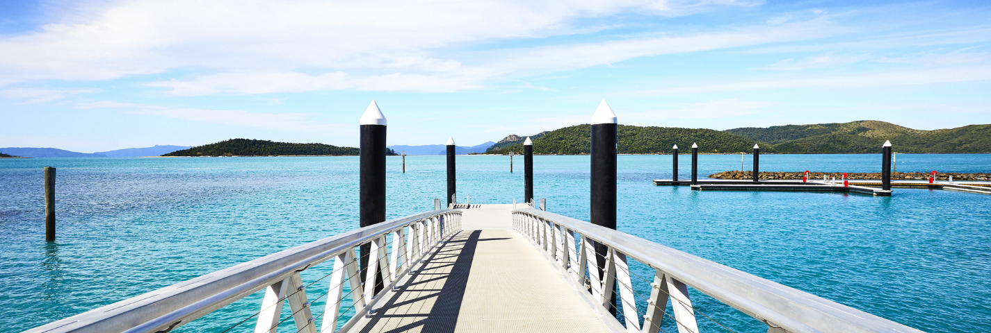 Bridge across the ocean at Daydream Island Resort