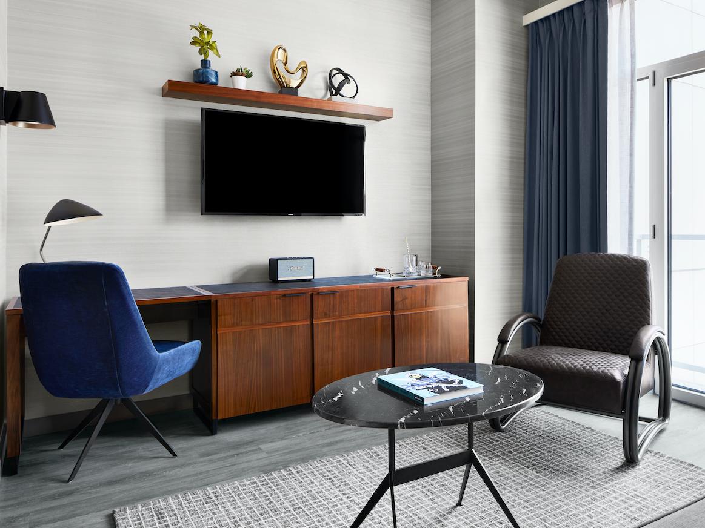 Manhattan Suite Living Room